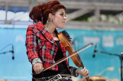 Amanda Shaw kicks off Saturday's show at the Main Stage.Photo Credit: © Bruce Fram