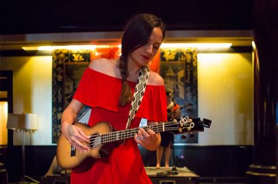 After a spellbinding performance on the Jade Leaf Stage, ukulele phenom Taimane delighted an intimate crowd inside the KKUP Music Lounge. Photo credit: Robert Birnbach.